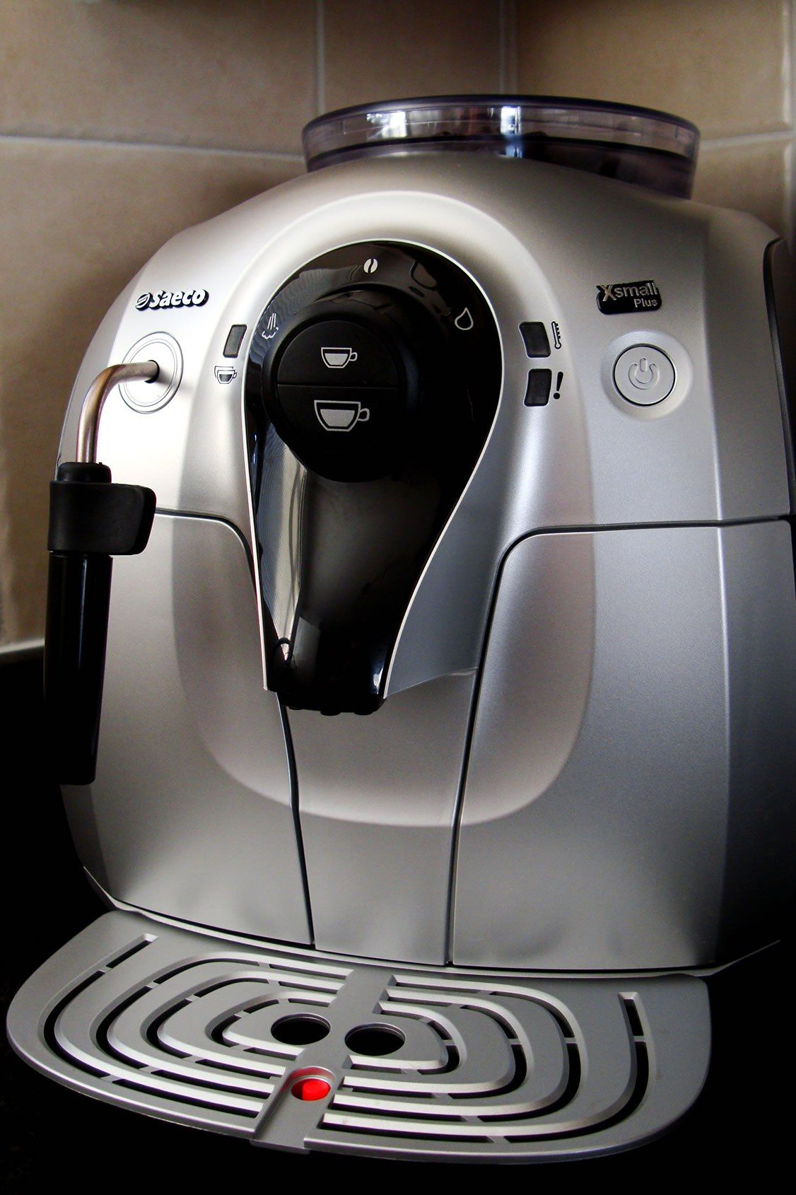 manual vs automatic coffee machines